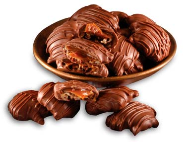 Pecans and sugar-free caramel and covered in sugar-free milk chocolate (using Maltitol).